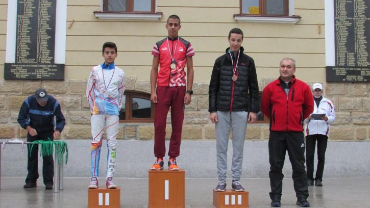 ДП 12-18 год - Дълга дистанция - М16 - Здравко Овчаров с бронзов медал